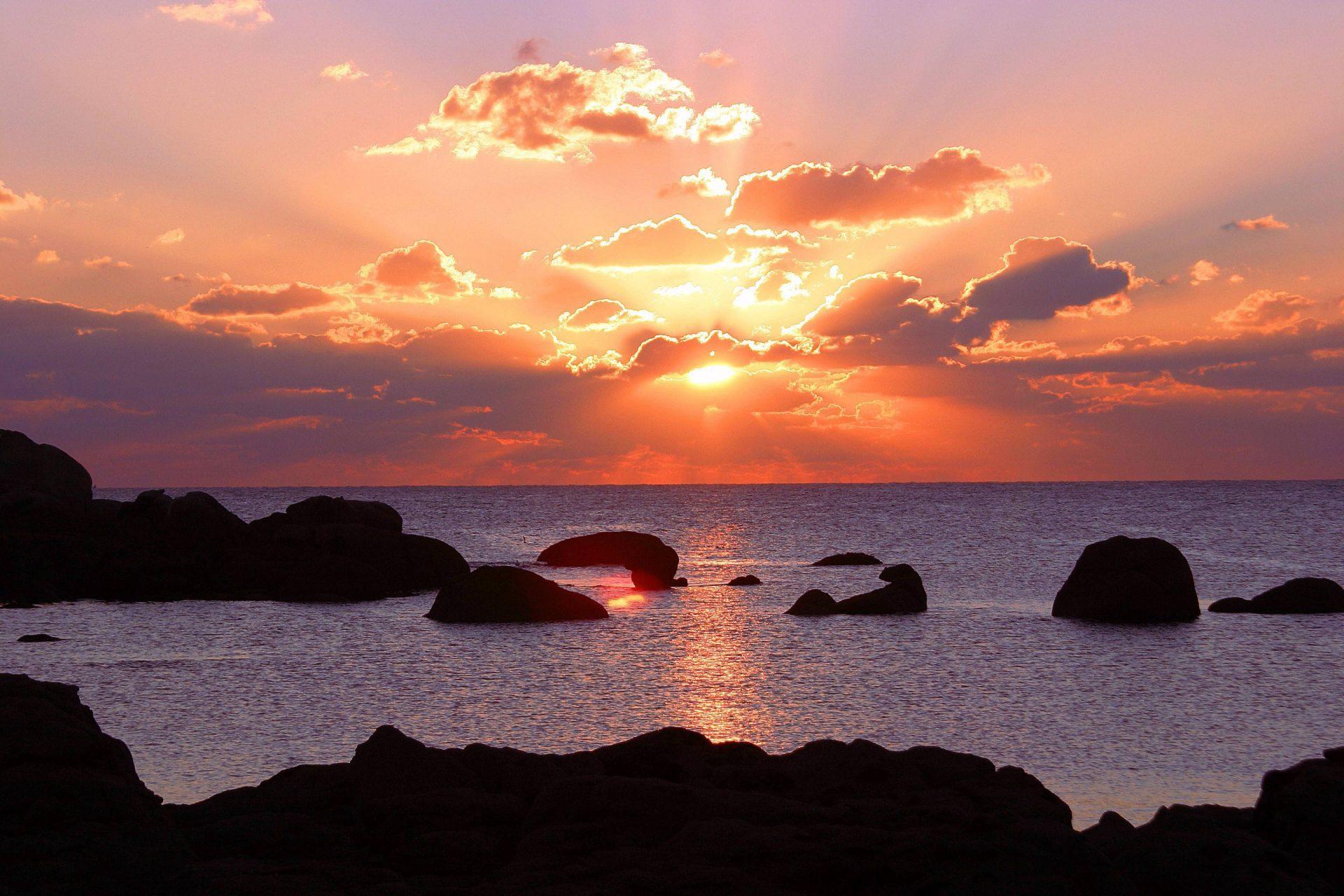 coucher de soleil sur la pointe de Trévignon à Trégunc