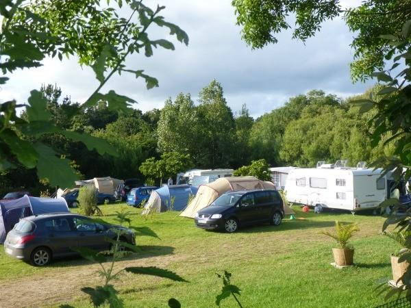 Tentes et caravanes au camping le suroît - Finistère